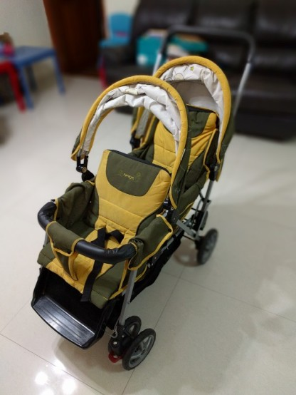 stroller2